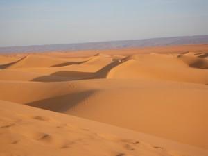 Jouer Le Petit Prince dans le désert dans caravane desert-300x225